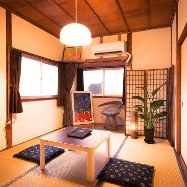 2_room_01_tn